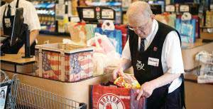 grocery_store_worker_bagging